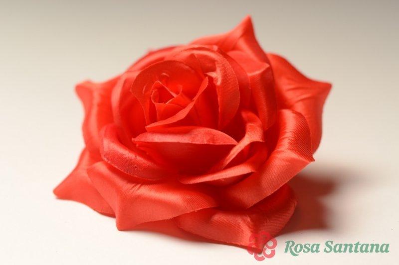 Роза атласная